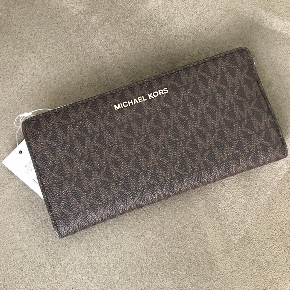 7278ab2c93a9 Michael Kors Large Carryall Wallet   Card Case